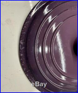 5.5 Quart #26 LE CREUSET Cast Iron Round Dutch Oven. Color Cassis