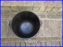 #7 Cast Iron Bean Kettle Pot 8 7/8 Across