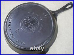 #8 Griswold Cast Iron Skillet 10.5 Frying Pan 704-g Large Slant Logo Heat Ring