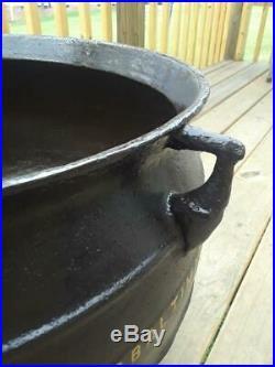 Antique Cast Iron 18 Gal 61 Lb 3 Foot Baltimore Campfire Gypsy Kettle Cauldron
