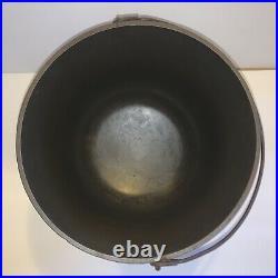 Antique Wood Bishop Kettle Rare #8 3 Leg Cast Iron Pot
