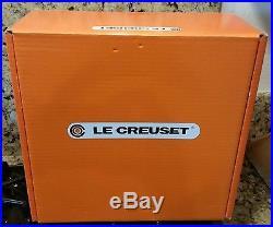 Beautiful Le Creuset Signature #28 Round Dutch oven 7 1/4 Qt Coastal Blue NEW