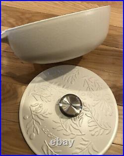 Cotton Olive Branch Relief LE CREUSET 2.25 Quart Cast Iron Saucier Collection