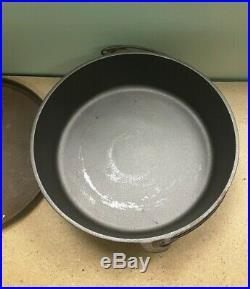 Discontinued Lodge 14 Cast Iron Shallow Camp Dutch Oven Made In USA Rare No. 14