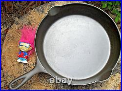 ERIE Cast Iron Skillet 9, 710 G, Pre Griswold ERIE Level Clean Very nice