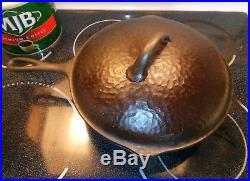 Early GRISWOLD Dimple Logo Hammered 11 inch Skillet Hammered Lid Fryer/Dutch