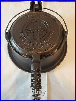 Excellent Restored Griswold Cast Iron Waffle Iron No 7 bail handle High Base