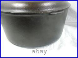 Griswold #11 Tite Top dutch oven with lid and trivet