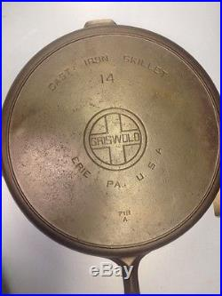 Griswold #14 Cast Iron Skillet Large Block Logo with heat ring