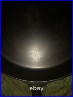 Griswold 14 cast iron skillet Large Logo