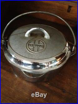 Griswold Cast Iron #8 Dutch Oven Chrome with Tite-top Lid Handle And Grate