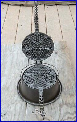 Griswold Cast Iron Heart Star No. 18 High Base Waffle Iron Slant Logo
