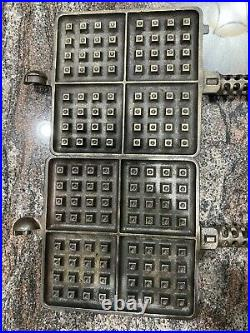 Griswold No. 11 Cast Iron square Waffle Set With Tall Base