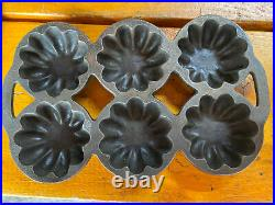 Griswold No. 13 p/n 640 Turks head cast iron muffin pan