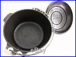 Griswold No. 6 Tite Top Cast Iron Dutch Oven with Lid