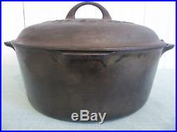 Griswold No. 9 Cast Iron Dutch Oven Tite-Top Baster Lg Logo 2552 Lid Seasoned