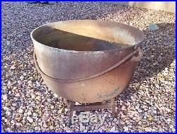 HUGE! Vintage Cast Iron Kettle with Bail Handle Cauldron Planter Pot Yard Art