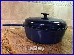 Le Creuset #26 10 1/2 Cast Iron Skillet Fry Pan EnamelDouble Spout Dark Blue