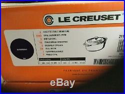 Le Creuset 3 1/2 Quart Oval Signature Cast iron Dutch Oven Aubergine new