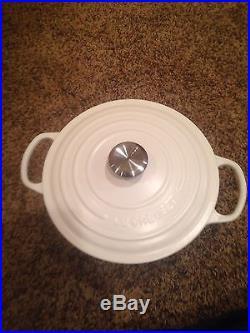 Le Creuset 5 1/2 Quart Round Dutch Oven #26 Matte White Cast Iron 5.5 Qt