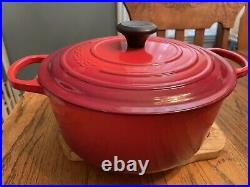 Le Creuset 5.5 Qt Round Enamaled Cast Iron Dutch Oven #26 Cherry Red Never Used