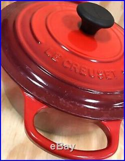 Le Creuset 5.5 qt Round Dutch Oven Red