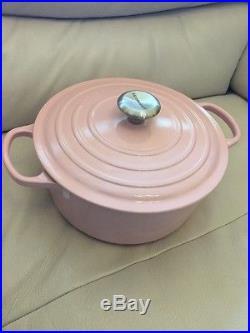 Le Creuset 5.5 quart QT Signature Round Dutch Oven Glossy Silver Pink Cast Iron