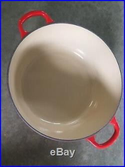 Le Creuset 5.5-quart Round Dutch Oven With Lid Chili Red #26 Brand New (no box)
