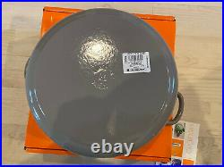Le Creuset 7.25 qt Classic French Dutch Oven in Gris Grey Gray -New In Box 7 1/2