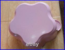 Le Creuset Cast Iron 20cm Flower Casserole French (Dutch) Oven-Chiffon Pink
