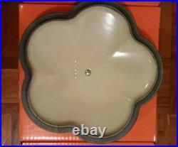 Le Creuset Cast Iron 20cm Flower Shaped Casserole -Cool Mint -VERY RARE