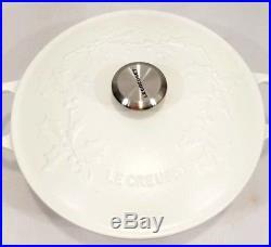Le Creuset Cast Iron Holly Embossed Round 4 Quart Dutch Oven Cotton White NIB