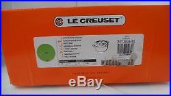 Le Creuset Enameled Cast-Iron 7-1/4-Quart Round French (Dutch) Oven, Palm