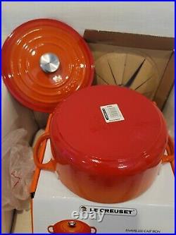 Le Creuset Enameled Cast Iron Signature Round Dutch Oven, 4.5 qt, Flame