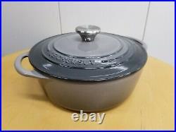 Le Creuset Matt Black Enamel Cast Iron #22 3.5 Quart Dutch Oven Made in France