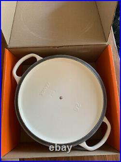 Le Creuset Signature 5.5 qt Dutch Oven Glossy White #26 NIB New box