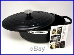 Le Creuset Signature Cast Iron 8 qt Oval Dutch Oven, Matte Black