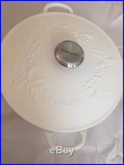 Le Creuset Signature Dutch Oven 4 Qt 26 Cotton White Holly EmbossedChristmas
