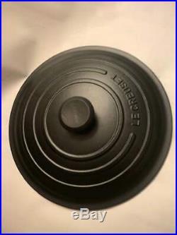 NEW Authentic Le Creuset Signature 7.25 Qt Round Licorice Black Dutch Oven