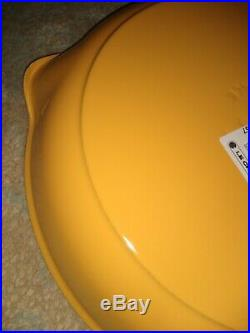NEW Le Creuset Signature Iron Handle Skillet, 10-1/4-Inch, Honey YELLOW