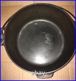 NICE Antique Griswold 834D Cast Iron #9 Dutch Oven w Tite-Top 2552A Lid & Handle