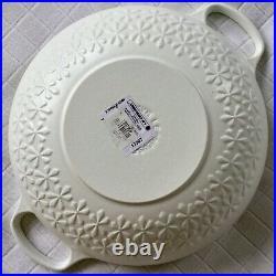 NR! NWT Le Creuset Fleur Signature 4 Qt Matte White Cotton Round Dutch Oven 28cm