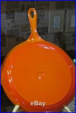 New Le Creuset Cast Iron Double Spout Flame Orange 23 Skillet 9.5 Unused No Box