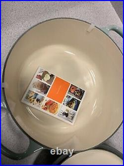 New Le Creuset Signature Ena meled Cast Iron Round Dutch Oven 5.5 Qt Sea Salt