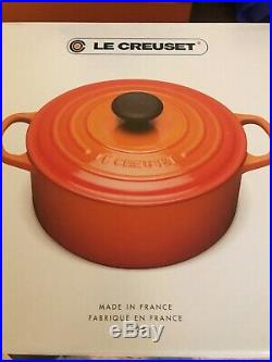 New in box Le Creuset 5.5 qt Dutch Oven, Cerise