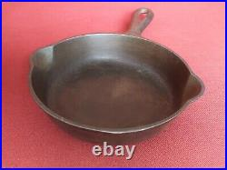Nice Griswold No. 2 Cast Iron Skillet Pan 703 great condition