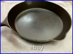Pre-griswold Erie #10 Cast Iron Skillet Bullseye Mark With Heat Ring