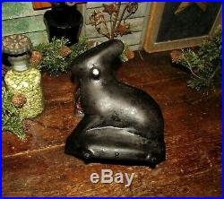Prim Antique Vtg Cast Iron Bunny Rabbit Cake Mold Collectible Kitchen Cookware