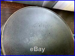RARE #8 SIDNEY Script Cast Iron Skillet Ghost Pre Wagner
