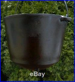 RARE small #6 WAGNER Cast Iron Regular Kettle Bean Pot (ERIE era) footed pot
